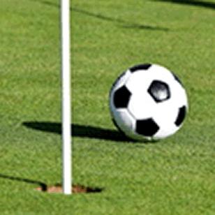 Eingelocht Golf Spielen Mit Dem Fussball